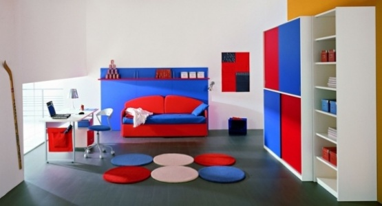 Boys blue and red bedroom